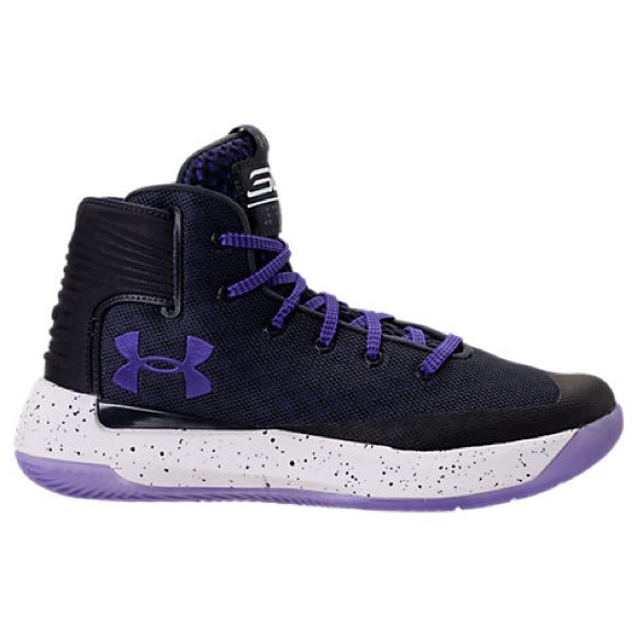 0813b2253046 BOYS UNDER ARMOUR CURRY 3ZERO BASKETBALL SHOES. M 5b6f7612cdc7f703317ca463